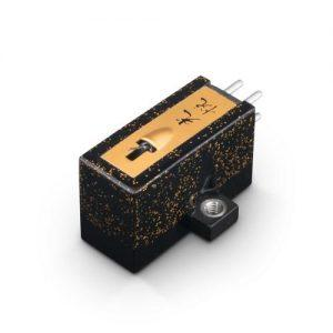 koetsu-urushi-black-lemezjatszo-hangszedo-500x500