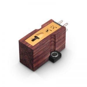 koetsu-rosewood signature-lemezjatszo-hangszedo-800x800